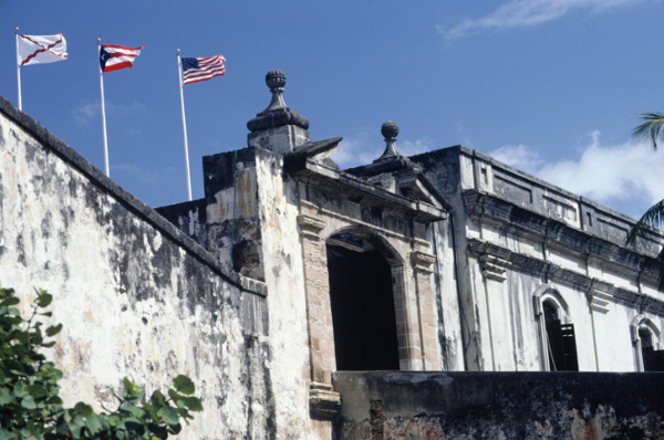 プエルトリコは米国にとってのギリシャ?好調米国の「隠れた一面」